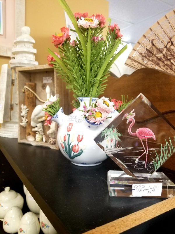 SWEET-PICKINS-THRIFT-STORE-FLAMINGO